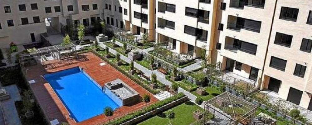 Participación en una encuesta para una investigación de la UCAM sobre espacios comunes, zonas semiprivadas de los edificios y espacios de relación entre los vecinos