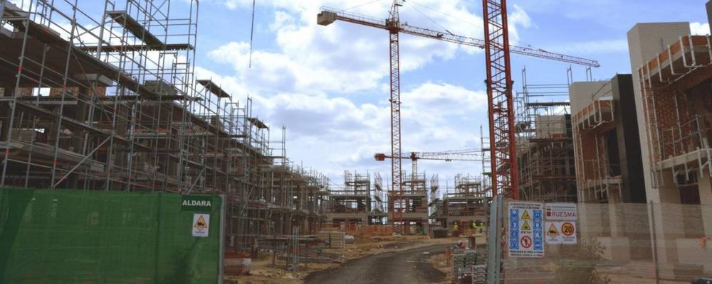 El BORM publica un Decreto-Ley con modificaciones en el área de vivienda e infraestructuras