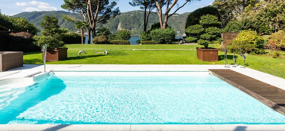 ¿Necesito licencia para instalar una piscina en mi jardín?